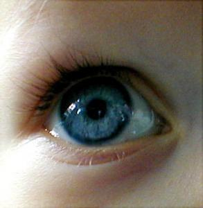 Bebeklerin göz renkleri neden değişir?